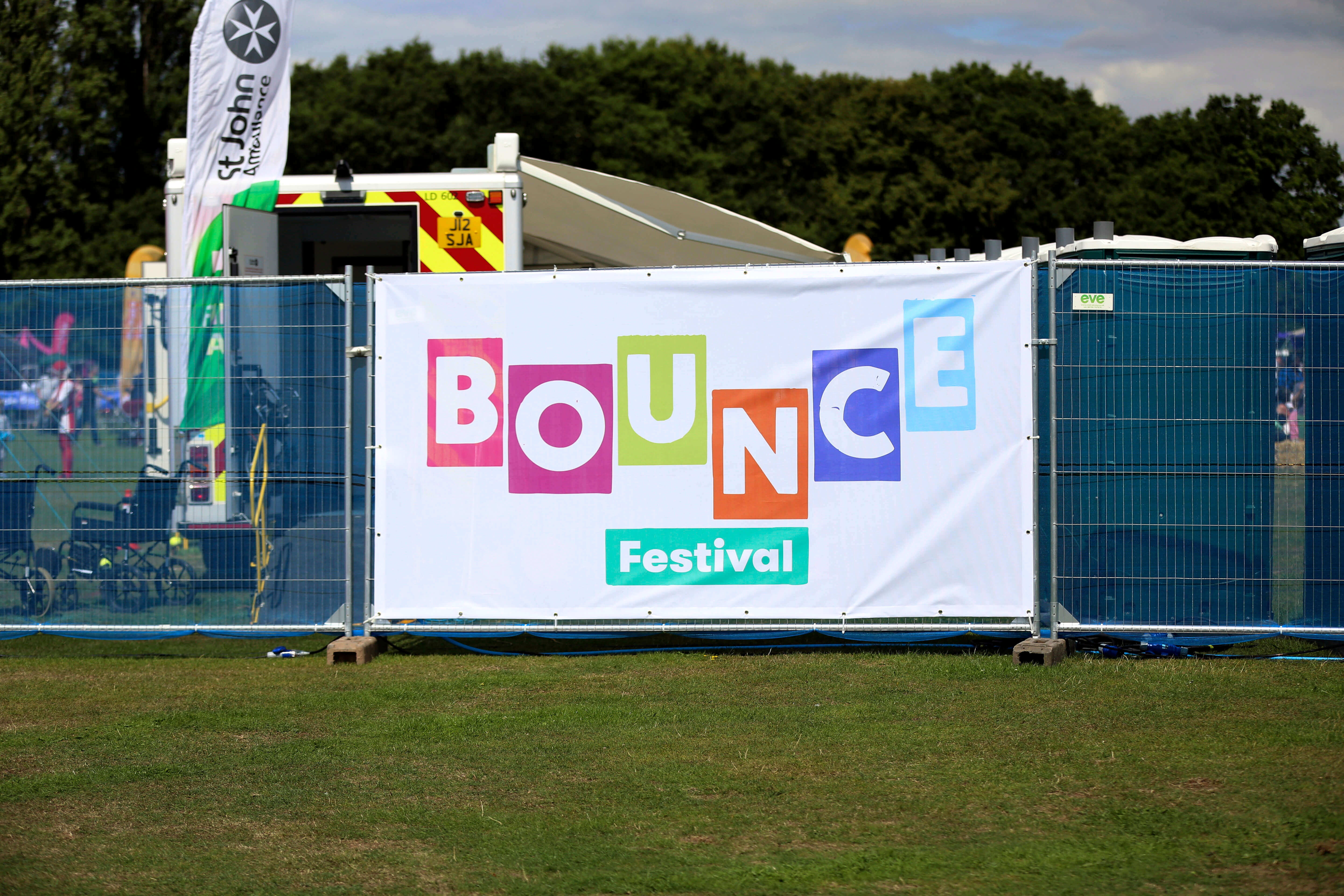 Bounce Festival mesh printed Heras panel